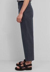 Marc O'Polo - Pantalon classique - midnight blue - 3