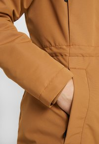 Columbia - SOUTH CANYON - Parka - camel brown - 6