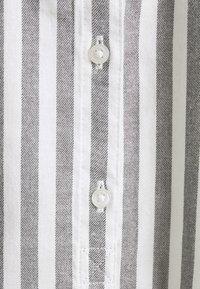 TOM TAILOR DENIM - COZY - Blouse - grey/white - 2