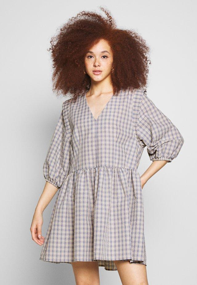DRESS - Robe d'été - rayes check