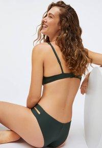 OYSHO - STRAP DETAIL - Bikini bottoms - evergreen - 4