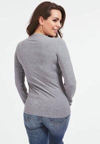 Guess - VILMA  - Long sleeved top - grau - 2