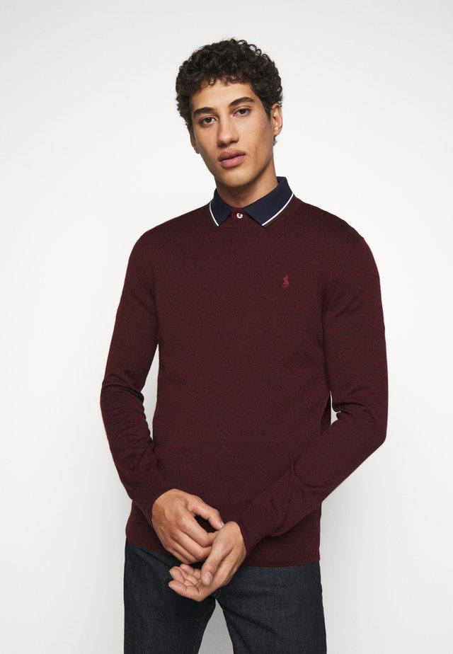 Stickad tröja - rich ruby heather