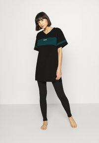 Diesel - UFTEE-CHEERLY T-SHIRT - Nightie - black/green - 1