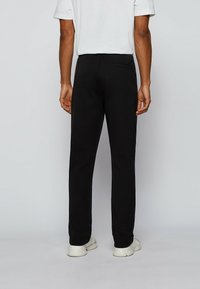 BOSS - Trainingsbroek - black - 2