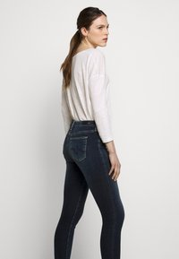 AG Jeans - ANKLE - Jeans Skinny Fit - submerged - 3