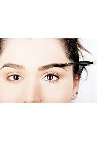 Nyx Professional Makeup - AUGENBRAUENSTIFT CONTROL FREAK EYEBROW GEL - Øjenbrynsgel - 1 clear - 3