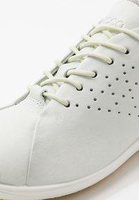 ECCO - BIOM LIFE - Sneakersy niskie - white - 5