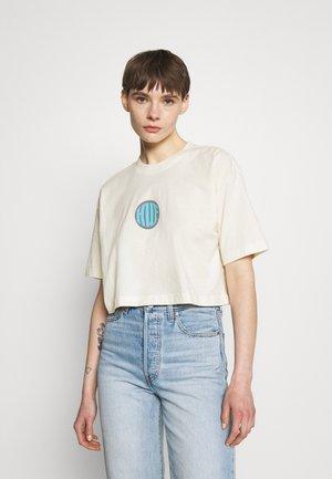 CROP TEE - T-shirt print - natural