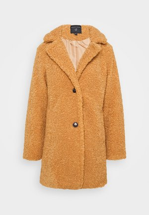 Winter coat - fudge