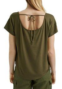 edc by Esprit - Print T-shirt - khaki green - 4