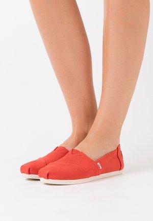 ALPARGATA - Nazouvací boty - red