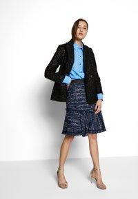 KARL LAGERFELD - POPLIN CUT OUT - Camisa - light blue - 1
