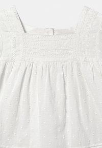 Marks & Spencer London - BABY - Košilové šaty - ivory - 2