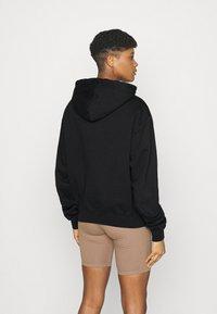 Good American - BOYFRIEND HOODIE - Sweatshirt - black - 2