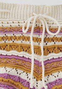 PULL&BEAR - Shorts - mottled beige - 7