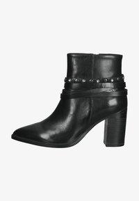 SPM Shoes & Boots - Enkellaarsjes met hoge hak - black leather - 0