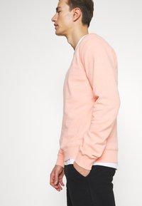 Farah - TIM CREW - Sweatshirts - apricot marl - 3