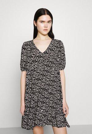 HANNA - Vestido informal - black/birch