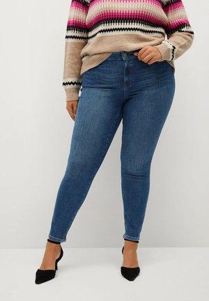 IRENE - Slim fit jeans - mittelblau