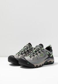 Keen - TARGHEE III WP - Hiking shoes - bleacher/duck green - 2