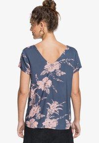Roxy - PARADISE STORIES - MIT TRÄGERN FÜR FRAUEN - Print T-shirt - mood indigo vertigo - 1