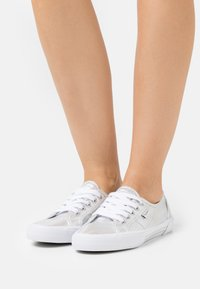 Pepe Jeans - ABERLADY SHINE - Trainers - silver - 0