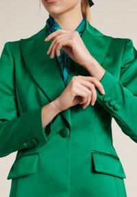 Luisa Spagnoli - Blazer - verde smeraldo - 3