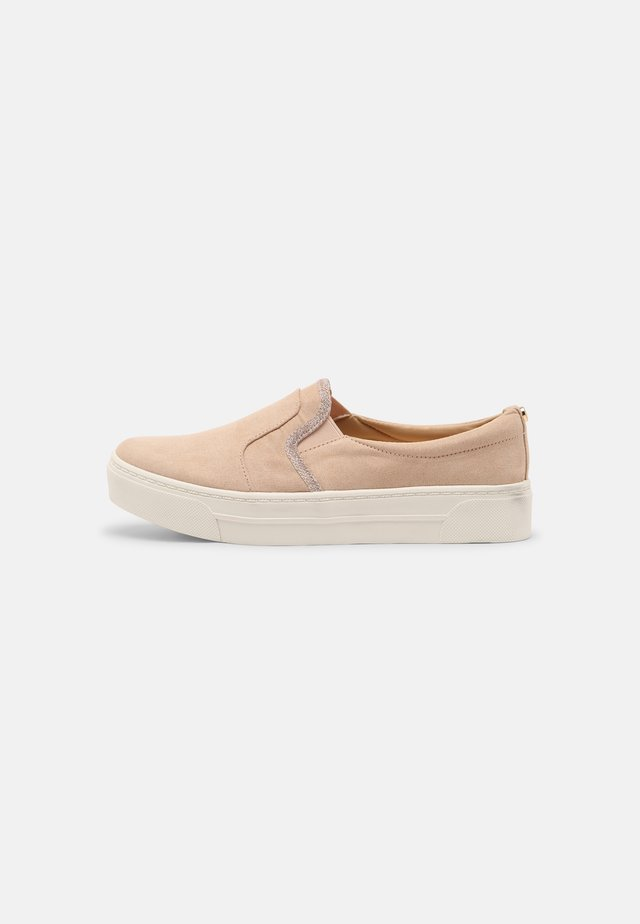 EVEY - Sneakersy niskie - nude