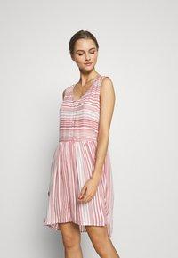 LASCANA - Day dress - weiß/mauve - 0