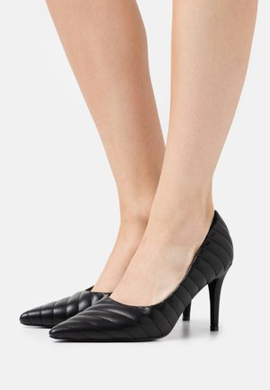 QUILTED POINTY  - Højhælede pumps - black