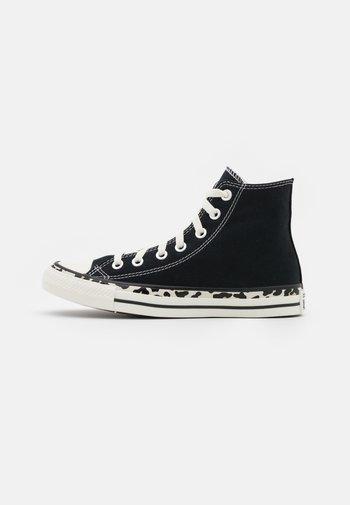 CHUCK TAYLOR ALL STAR EDGED ARCHIVE LEOPARD PRINT - Zapatillas altas - black/egret/driftwood