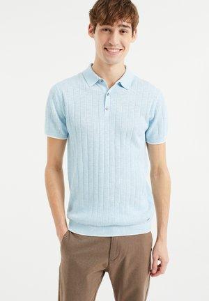 MET STREEPSTRUCTUUR - Polo shirt - light blue