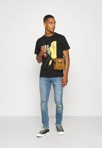Cotton On - TV MOVIE - Print T-shirt - black - 1
