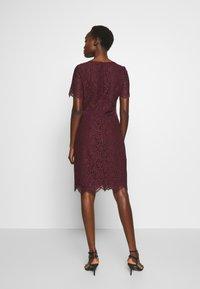 HUGO - KLEAS - Pouzdrové šaty - medium red - 2