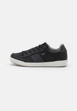 CASSIS GTX - Chaussures de marche - schwarz/graphit