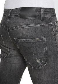Tigha - BILLY THE KID REPAIRED - Jeans Skinny Fit - vintage black - 4