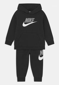 Nike Sportswear - HODIE SET UNISEX  - Trainingspak - black/light smoke grey - 0