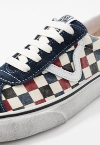 Vans - SPORT - Trainers - dress blues/chili pepper - 6
