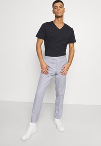 Burton Menswear London - SLUB - Pantaloni - light grey - 3