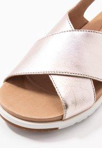 UGG - KAMILE - Sandalen - blush metallic - 2