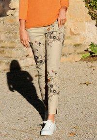 Alba Moda - Trousers - beige,pfirsich,schwarz - 3