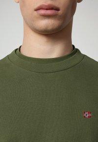 Napapijri - BALIS - Sweatshirt - green cypress - 2