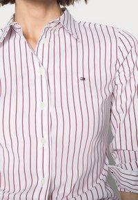 Tommy Hilfiger - STRETCH POPLIN SLIM SHIRT - Košile - red - 4