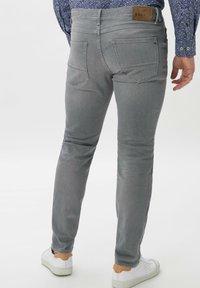 BRAX - STYLE CHRIS - Slim fit jeans - luminous grey used - 2