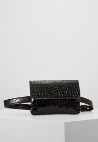 Vero Moda - Bum bag - black - 1