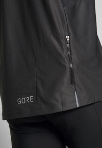 Gore Wear - ZIP - T-Shirt print - terra grey/black - 5