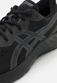 ASICS - GEL EXCITE 8 - Neutral running shoes - black/carrier grey - 5