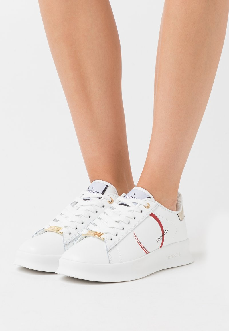 Trussardi - ANEMONE ACTION LOGO - Trainers - white/red/gold