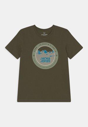 JCOBILO TEE CREW NECK JR - Print T-shirt - forest night